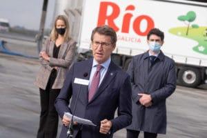 El presidente de la Xunta, Alberto Núñez Feijóo, se reúne con los directivos del Grupo Leche Río