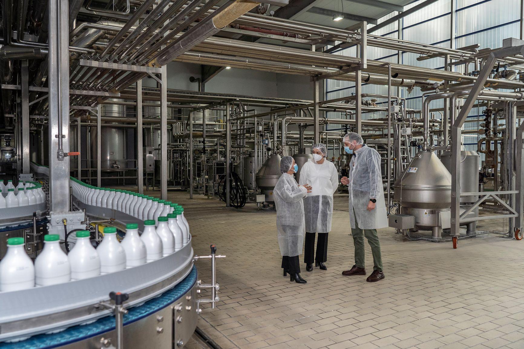 Visita de la Directora Xeral de GAIN a la planta de Río de Galicia